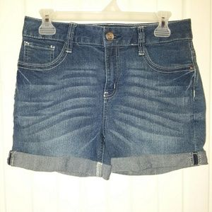No Boundaries Shorts - Women's Junior Shorts